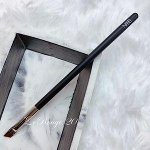 NARS #38 eyeliner / brow brush BRAND New